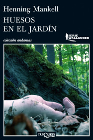 huesos-en-el-jardin_9788483837450.jpg