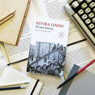 El otro barrio - Elvira Lindo | Planeta de Libros